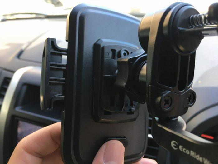 スマートフォンを自動車のカーナビとして使う